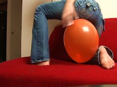 Free Porn Addison Plays With A Balloon In Amateur Scene