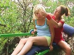 Free Porn 18yo Lezzies Make Love Outdoors