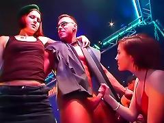 Free Porn Horny Girls Suck Nightclub Cock