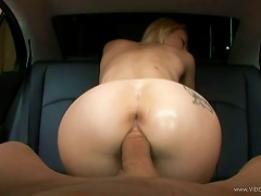 Free Porn Irresistible  Melanie Jayne Gives Up Her Tight  In A Back Seat