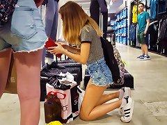 Free Porn Candid Voyeur Teen Tight Ass And Legs Showing Cheek Shopping