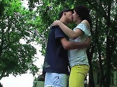Free Porn Steamy Make Out In The Park