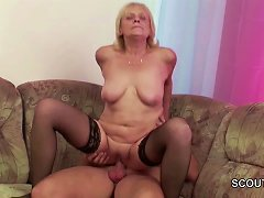 Free Porn Frank 18yr Old Seduce Granny To Get His First Fuck