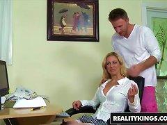 Free Porn Realitykings - Milf Hunter - Cherie Deville Levi Cash - All