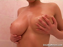 Free Porn Busty Ali Showering