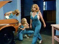 Free Porn Garage Girls (1981)