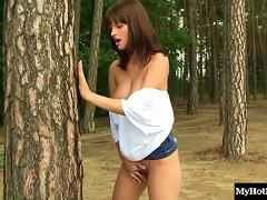 Free Porn Busty Teen Getting Filmed Getting Off At The Forest