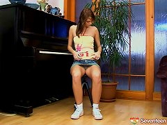 Free Porn Forget The Piano Lessons, She Wants To Make Her Pussy Cum