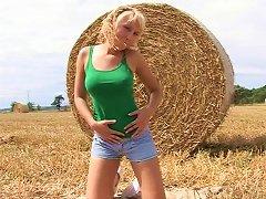 Free Porn Buxom Teen With Long Blonde Hair Enjoying A Fantastic Vibrator Fuck