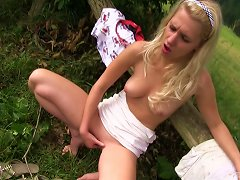 Free Porn Outdoor Masturbation By A Dazzling Gal In A Miniskirt Smashing Her Cunt