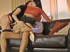 Free Porn Glamour MILF Licks Cum Of Assfucked Eurobabe