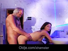 Free Porn Sweet Teenie Girl Hardcore Fuck Therapy For Ugly Grandpa