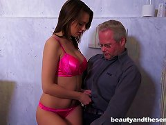 Free Porn Somehow This Older Guy Gets Lucky And Bangs A Teen Hottie