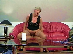 Free Porn Granny Slut Filled With Young Dick