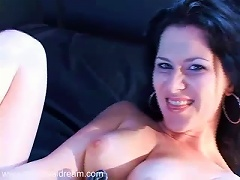 Free Porn Curvy Raven Haired Hottie Showing Off Her Amazing
