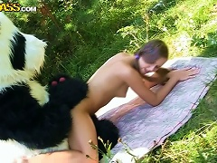 Free Porn Kidnapped Hottie Get Her   Rescued By A Horny Bear