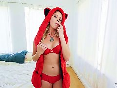 Free Porn Teen Chick In A Fuzzy Hat Is A World Class Hardcore Fuck