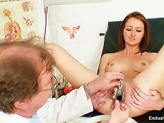 Free Porn Teenage Redhead With Speculum In Her Pussy