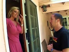 Free Porn Beautiful Milf Kristal Summers Fucks The Younger Neighbor Dude