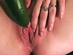 Free Porn Lustful  Chick Pokes Her Cunt With A Vegetable
