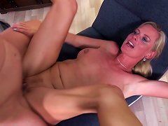 Free Porn Sexy Mature Moms Fuck Young Dirty Sons
