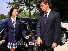 Free Porn High School Teen Sucking And Fucking Her Limo Driver