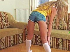 Free Porn Skinny Hottie Victoria Tiffani Treats Pussy With A Dildo Fuck