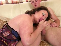 Free Porn Mature Mom And Wife Seduces Young Not Her Son