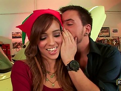 Free Porn Melanie Rios Gets A  Christmas In The Auto Shop