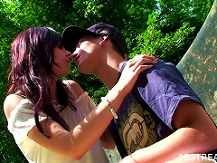 Free Porn Much Kissing And Good Fucking With A Babe