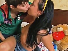 Free Porn Gracious Boy Kisses Lips