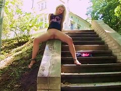Free Porn Blonde Piss In Outdoors