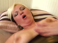 Free Porn Mature Booty Mom Takes Young Dick