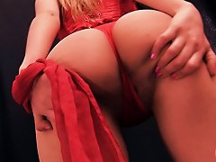 Free Porn Huge-tits Amater Teen Has Big Puffy Cameltoe Pussy