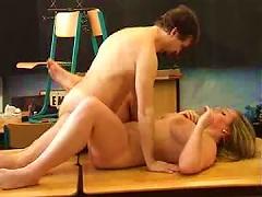 Free Porn Curvy Young Cutie Has A Hot Clroom Screw