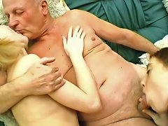 Free Porn Amateur Babes Sucking And Fucking Missionary With Old Mans Cock