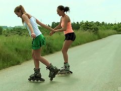 Free Porn Pair Of Kinky Teenagers Go Into The Wild To Get Full-lesbian