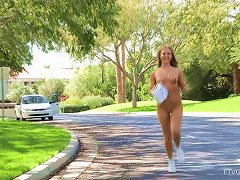 Free Porn Sexy Teen Plays With Her Pink Pussy In The Park