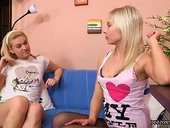 Free Porn Nerd Blown By Blonde Teen Girls