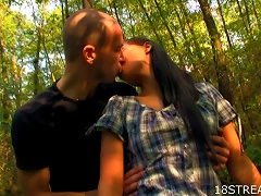 Free Porn Hot  Teen Slut Rosa And Victor  And Outdoor Sex