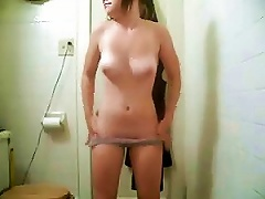 Free Porn Teen With Juicy Tits And Round  Shows Her   On Webcam