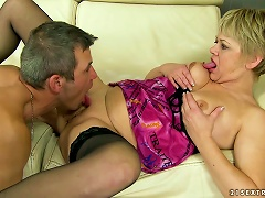 Free Porn Randy Blonde Mature Wants A Teen Guy To Eat And Fuck Her Pussy