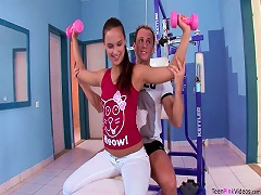 Free Porn Sexy Babe Victoria Has A Perfect Fuck On The Fitness Equipment
